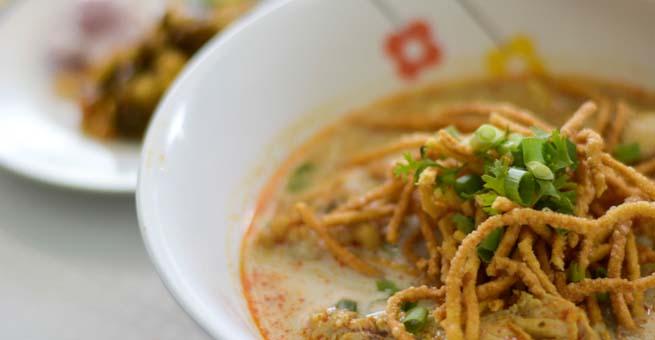 ข้าวซอยสุธาสินี ข้าวซอยจีนฮ่อต้นตำรับ อายุกว่า 100 ปี