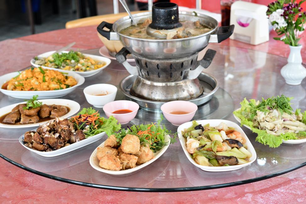 กว่า 40 ปีที่คงรสชาติ และความอร่อยเสมอมา อาหารจีนระดับเหลา ราคาเหมาะกับพวกเรา อ.เกียรติชัย