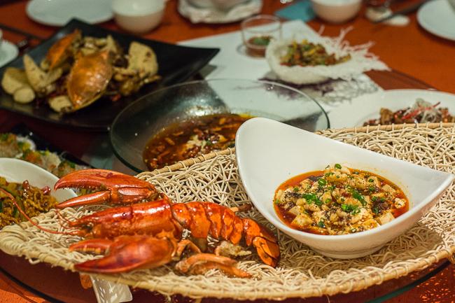 ฉีกกฎของอาหารจีนที่มันเลี่ยน เชิญมาเปลี่ยนเป็นรสชาติจัดจ้านสไตล์เสฉวน ที่ China Kitchen