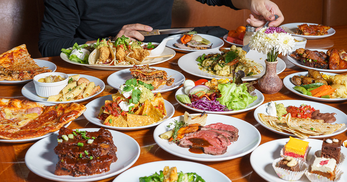 อิ่มเต็มที่กับบุฟเฟ่ต์มื้อบ่าย สตาร์ทความอร่อยตั้งแต่บ่าย 3 หลากหลายอาหารนานาชาติที่ The Duke's รวมโชค